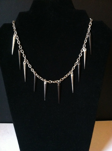 Two-tone Spike Chain